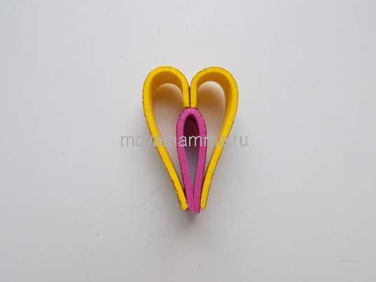 Елочная игрушка из фоамирана. Формирование детали игрушки