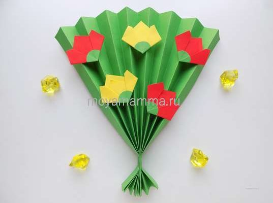 букет цветов из бумаги маме
