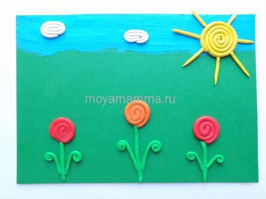 Цветочная поляна из пластилина. Листочки на других цветочках