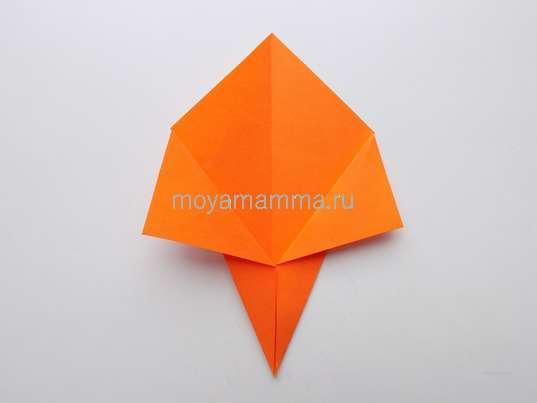 Аппликация с цветами оригами. Отгибание уголков