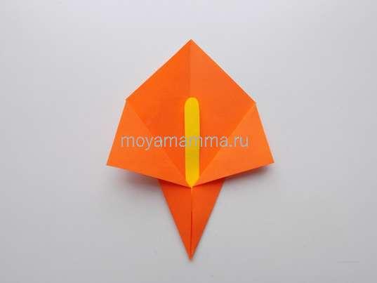 Аппликация с цветами оригами. Изготовление тычинки