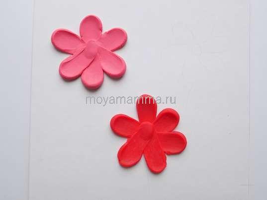 Цветочки из пластилина