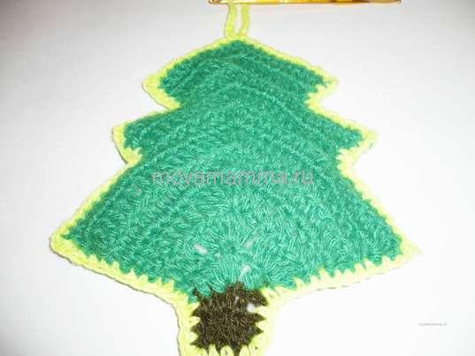 Вязание петельки на вершине елки
