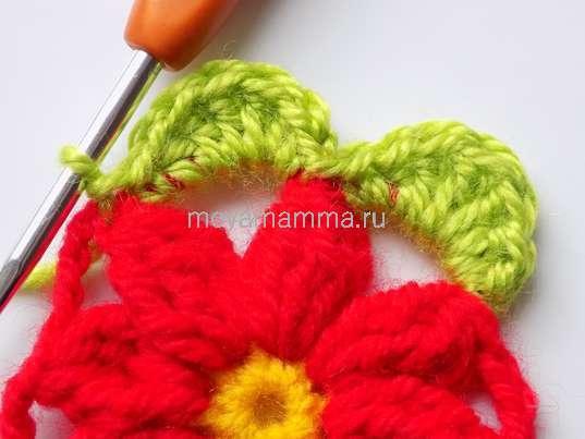 Вязание зеленой пряжей во вторую арку