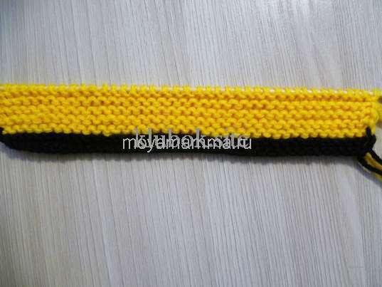 10 рядов платочной вязкой желтыми нитками