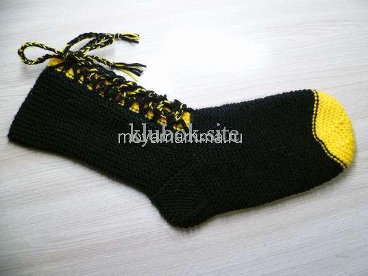 Носки со шнурками спицами. Шнуровка