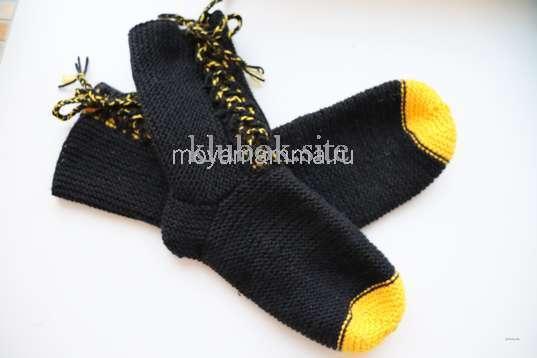 носки со шнурками спицами