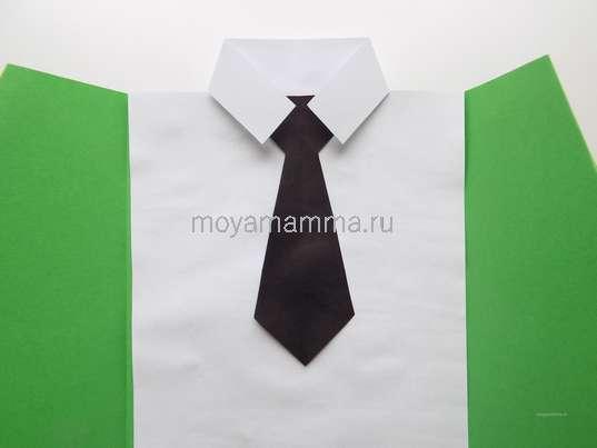 Изготовление галстука из черной бумаги