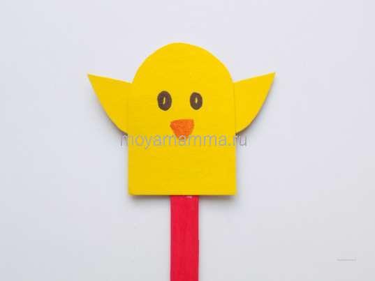 Пасхальная поделка цыпленок. Цыпленок на деревянной палочке