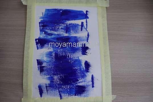 Смешение красок на листе бумаги