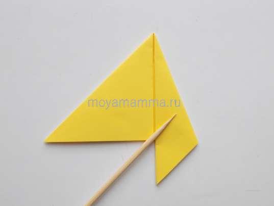 Утенок оригами. Загибание боковой стороны