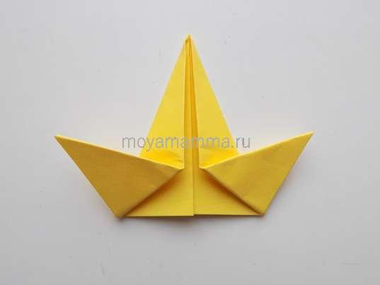 Утенок оригами. Крылышки утенка.