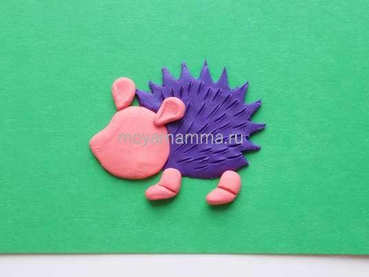 Лепка ушек илапок из розового пластилина