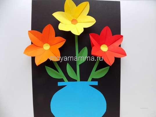 Объемная аппликация с цветами из бумаги