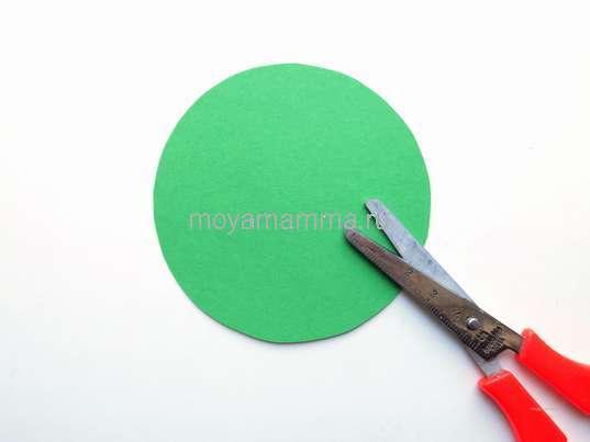 Круг из зеленой бумаги
