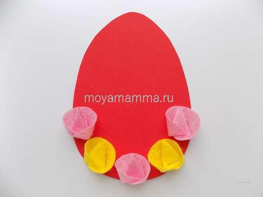 Поделка в школу пасхальное яйцо. Прикрепление цветочков