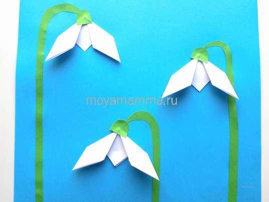 Подснежники оригами. Приклеивание чашелистиков