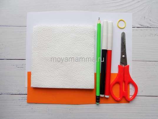 Салфетки, цветная бумага, фломастеры, ножницы