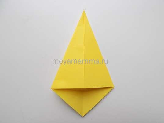 Изготовление стаканчика из желтой бумаги