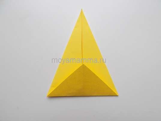 Мороженое оригами. Загибание уголка