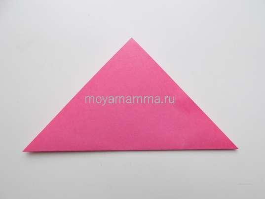 Сгибание розового квадрата