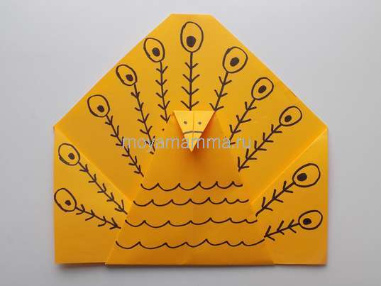Павлин оригами. Рисование оперения
