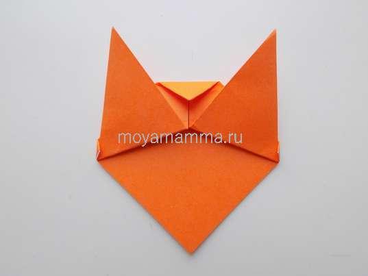 Тигр оригами. Загибание уголка посередине