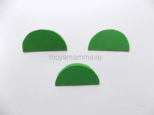 3 круга из темно-зеленой бумаги