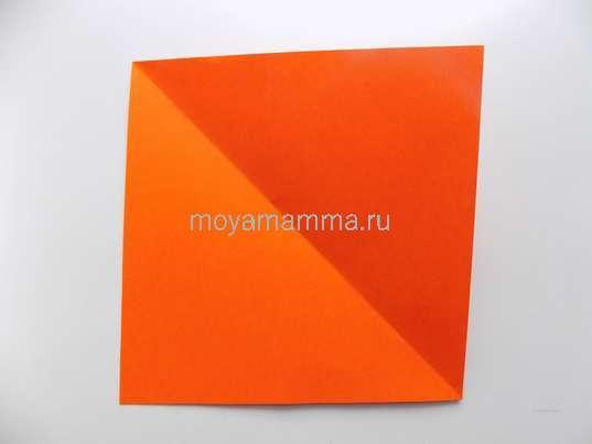 оранжевый квадрат размером 15х15 см