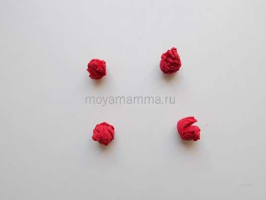 Формирование комочков - ягод рябины