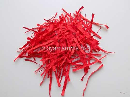 Заготовки из красной бумаги для осенней листвы