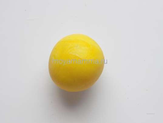 желтый пластилин