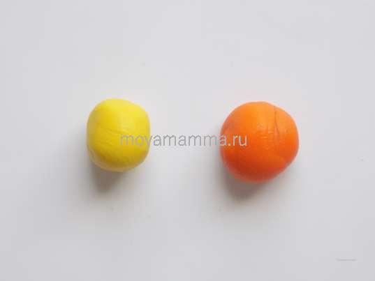 Шарики из оранжевого и желтого пластилина