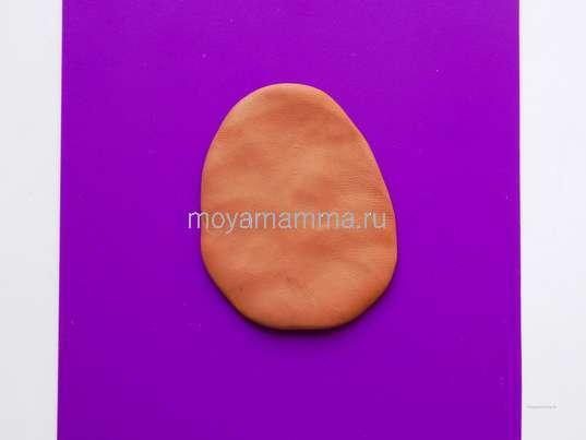 Светло-коричневый пластилин для туловища