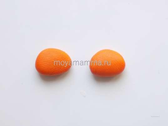 Овальные заготовки из оранжевого пластилина